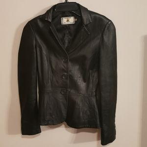 Leather jacket fit size S
